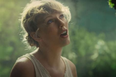 Taylor Swift Breaks Sales And Streaming Records With New