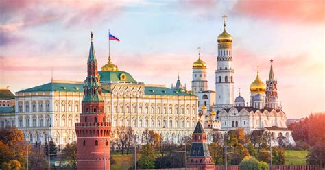 Moscow: Kremlin Ticket and 2-Hour Group Tour - Moscow